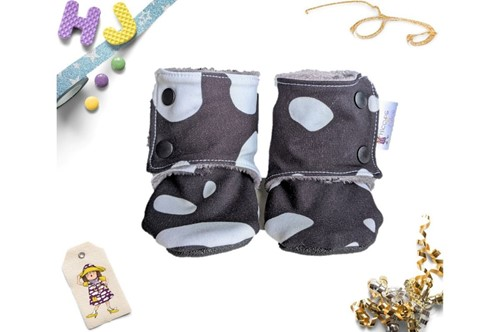 Click to order 6-9m Fleece Stay on Booties Moo Spots now