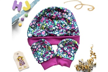 Brightly Bloom Hat and Scratch Mitts Set
